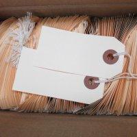 【箱売り】マニラタグ#2 【maco11-502】(紐付き荷札1000枚入り)3.2インチ(約8.13cm)x1.62インチ(約4.11cm)